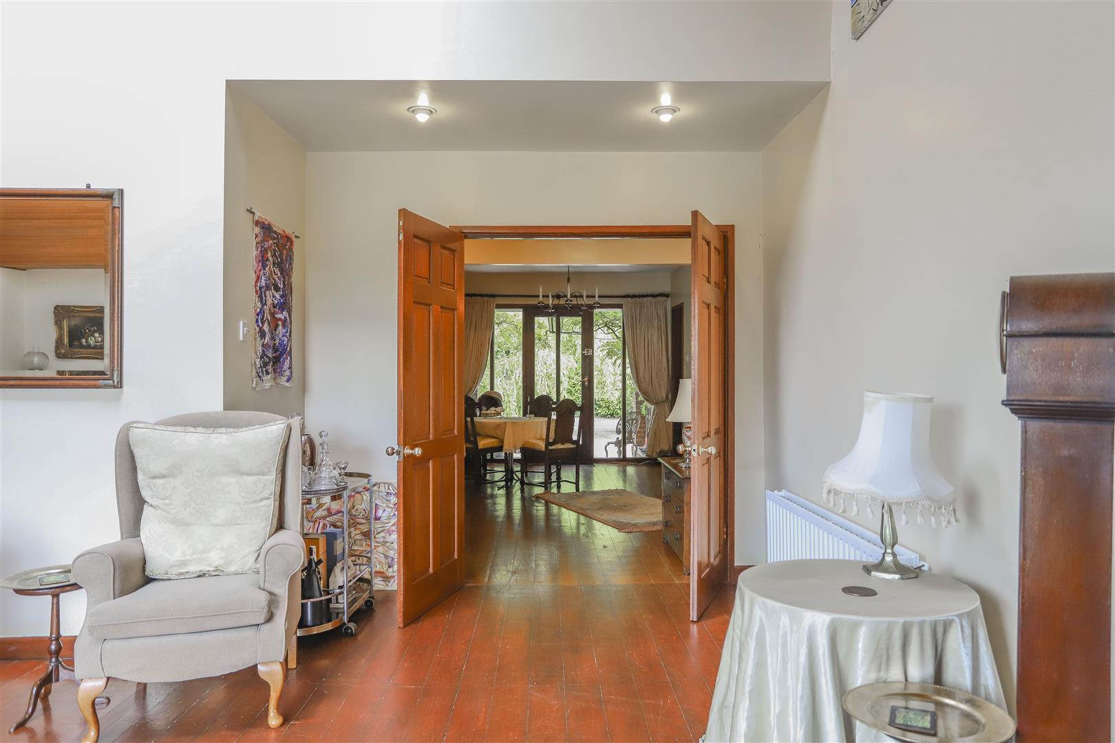 5 Bedroom Detached House For Sale - 17.JPG